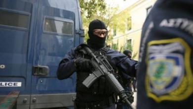 Photo of اليونان تعتقل شخصا تشتبه في إرساله طرودا ملغومة لمسؤولين أوروبيين