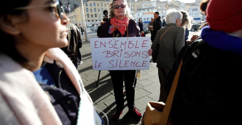 المئات في فرنسا يتظاهرون احتجاجا على التحرش الجنسي