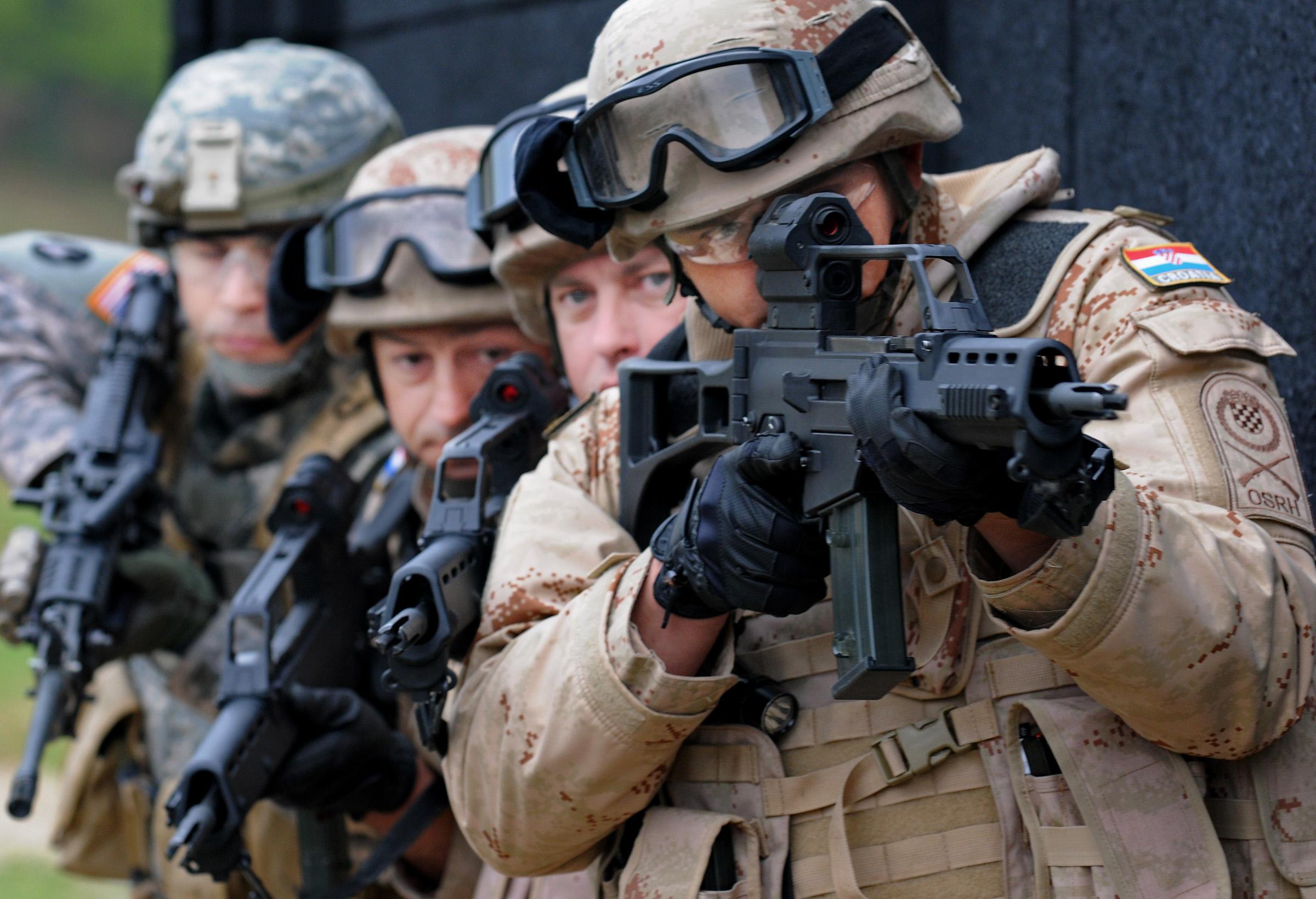 تدريب عسكري الناتو