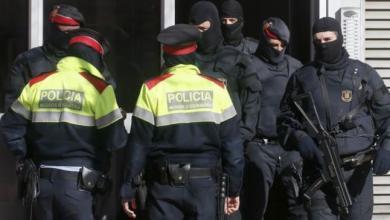 Photo of إسبانيا تقيل قائد شرطة كتالونيا وتتولى حكم الإقليم