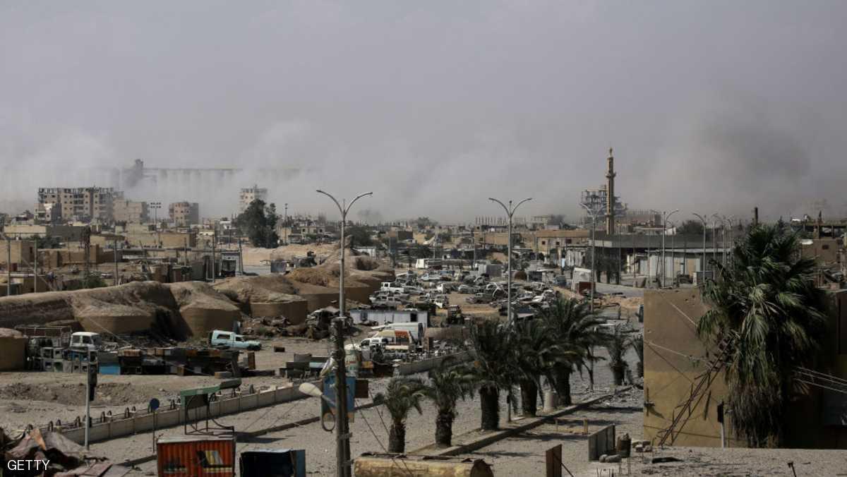 "Photo of أنباء متضاربة عن مصير مقاتلي ""داعش"" الأجانب في ""الرقة"""