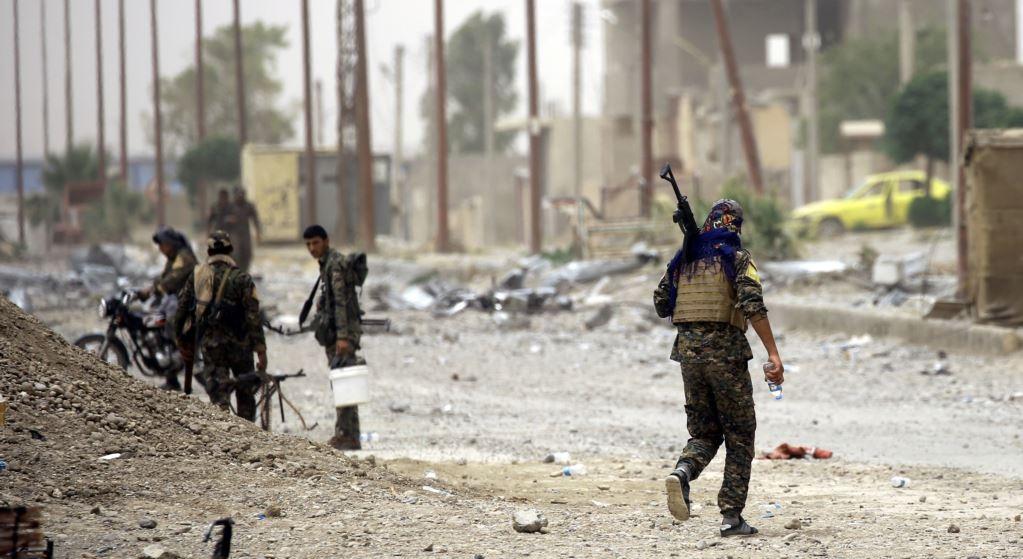 """Photo of مقاتلو """"داعش"""" الفرنسيون ينقلون معركة """"الرقة"""" إلى """"فرنسا"""""""