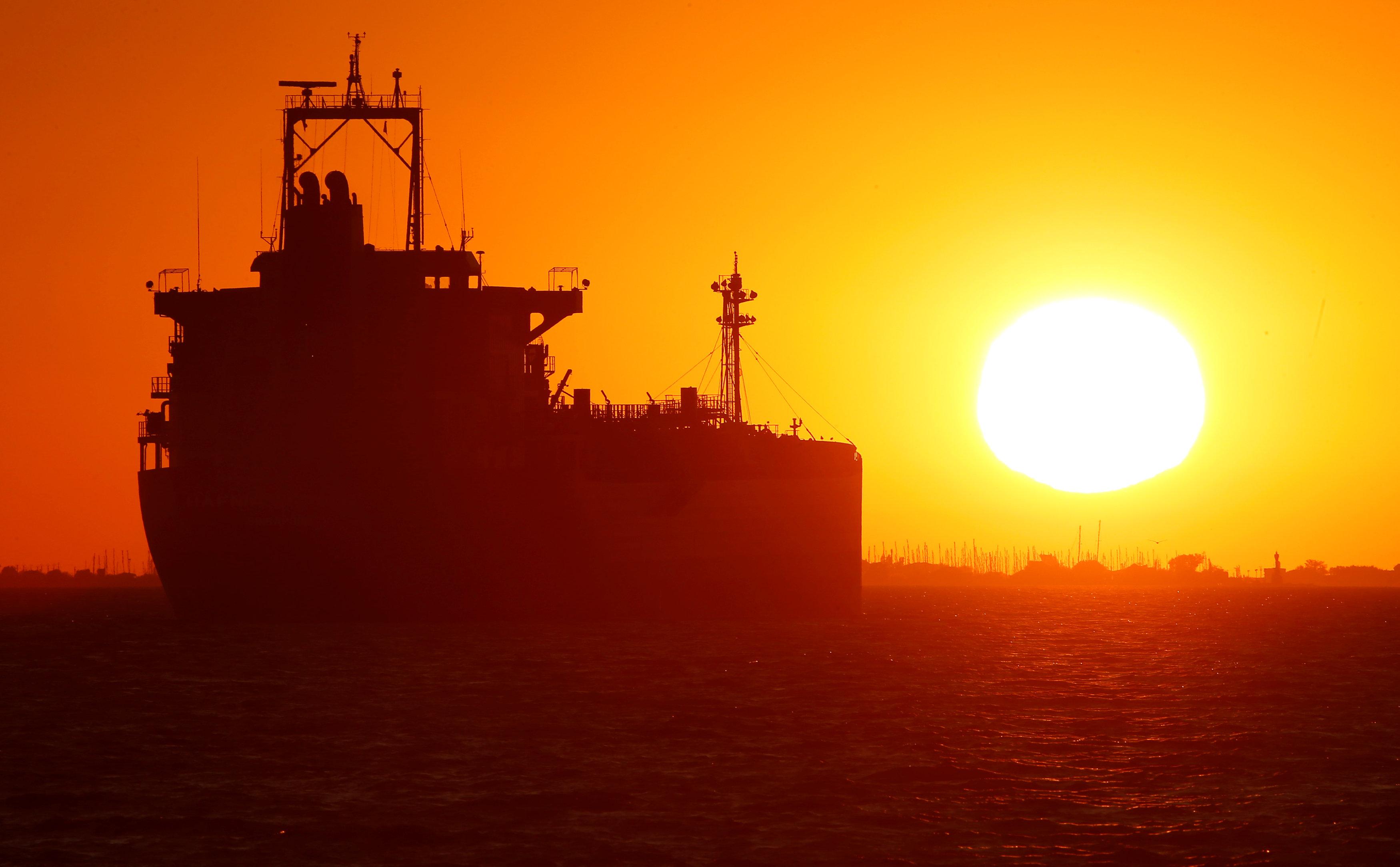 Photo of موانئ ليبيا تشهد نشاطاً ملحوظاً بعمليات التصدير