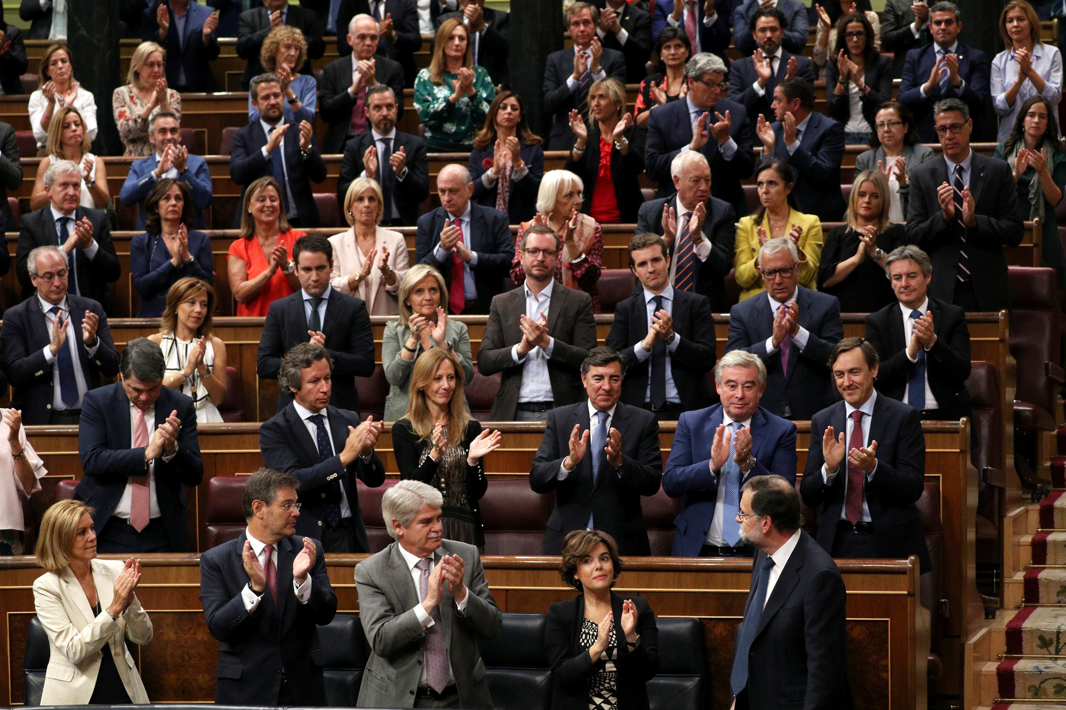 Photo of إسبانيا تمهل زعيم كتالونيا 5 أيام لتوضيح الموقف من الاستقلال