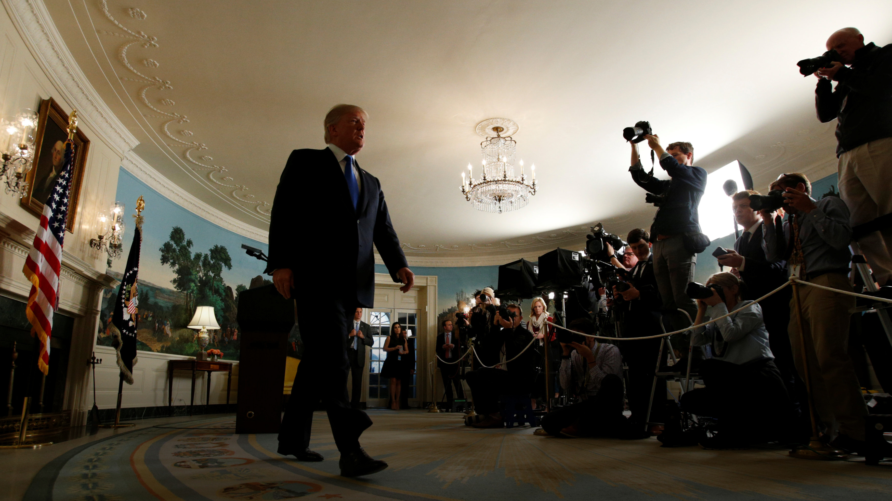 """Photo of """"دونالد ترامب"""".. """"عدم تصديق"""" بطعم """"الانسحاب"""""""
