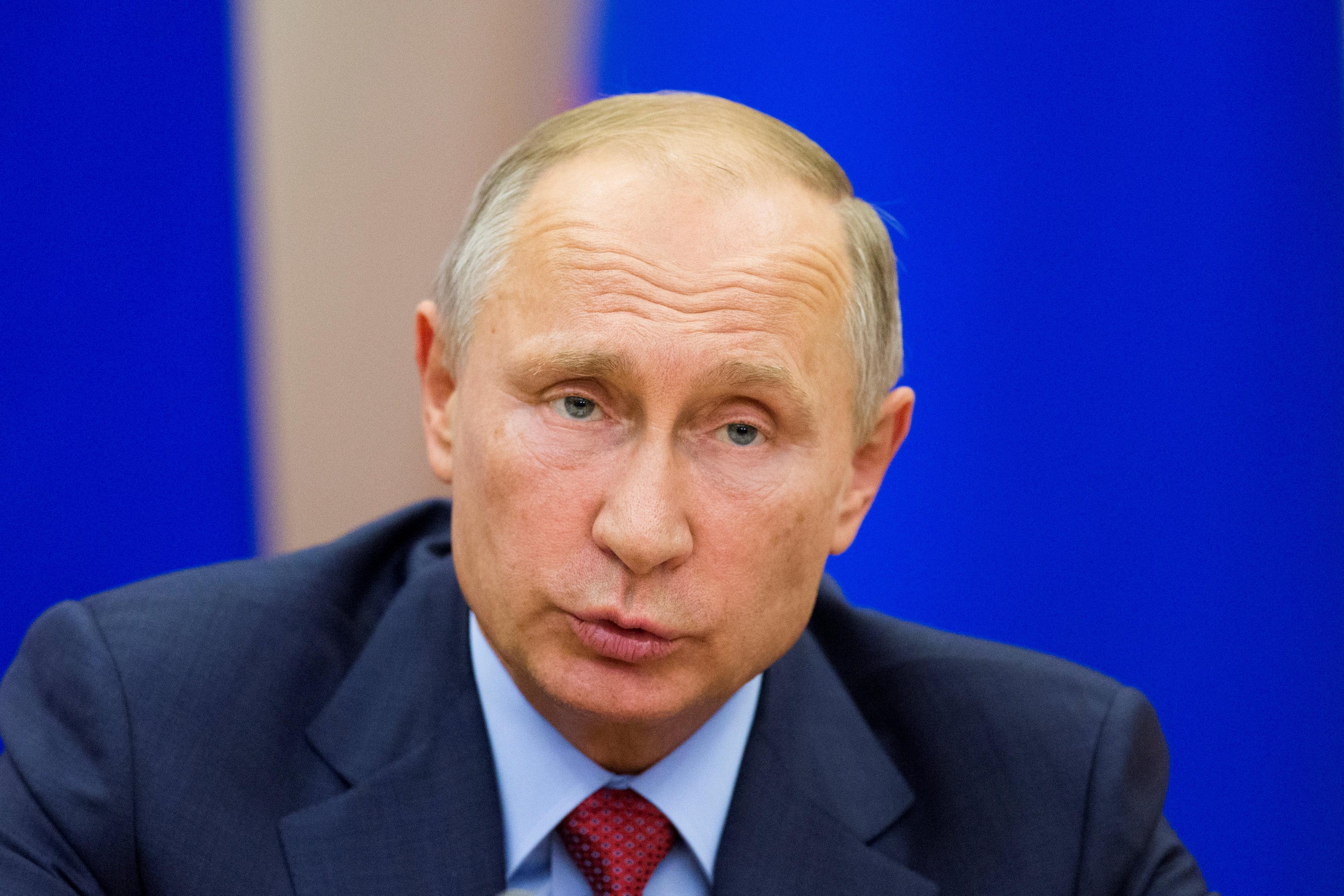 """Photo of بوتين يأمل تجنب """"السيناوريو الأسوأ"""" سوريا"""