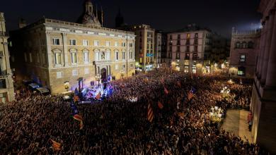 Photo of مظاهرة مؤيدة لاستقلال كتالونيا في شوارع برشلونة