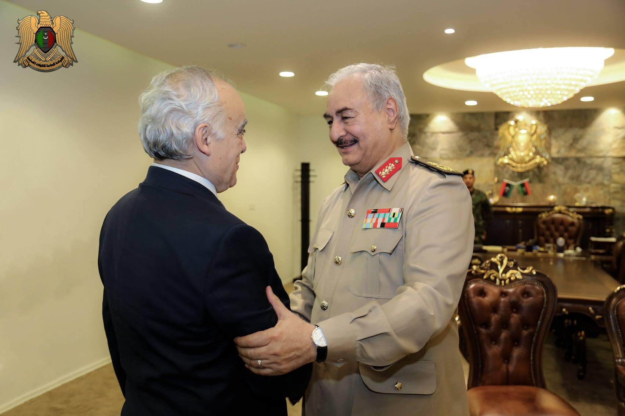 المشير خليفة حفتر و غسان سلامة