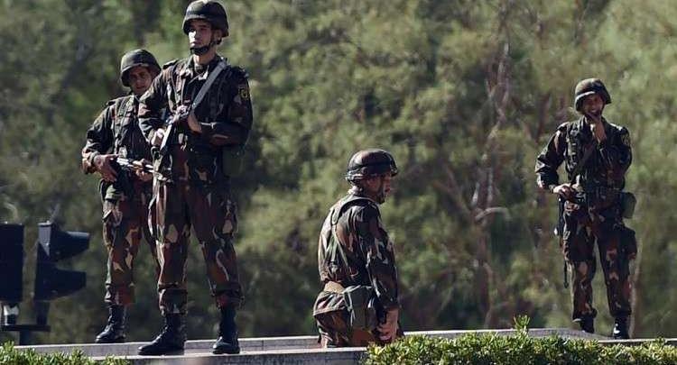 عناصر من الجيش الجزائري