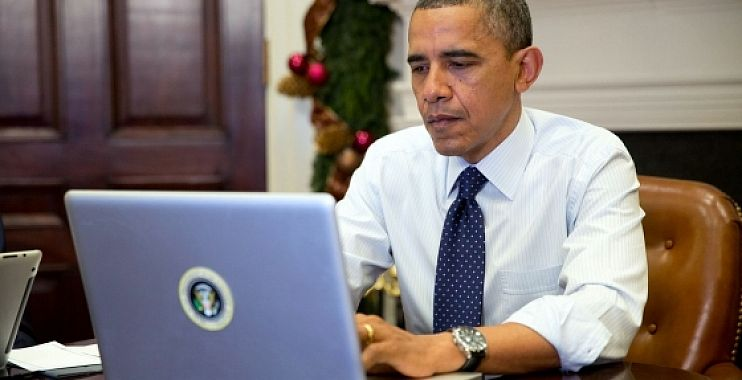 "Photo of رسائل أوباما لِعَشِيقتِه ""قد تُحرج زوجته ميشيل"""