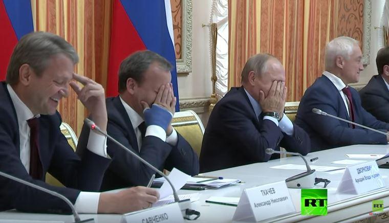 فلاديمير بوتين وأعضاء الحكومة
