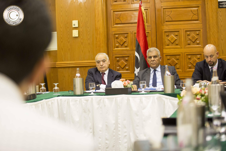 Photo of بدء اجتماع لجنتي البرلمان ومجلس الدولة لوضع صيغة نهائية لتعديلات الاتفاق بحضور سلامة