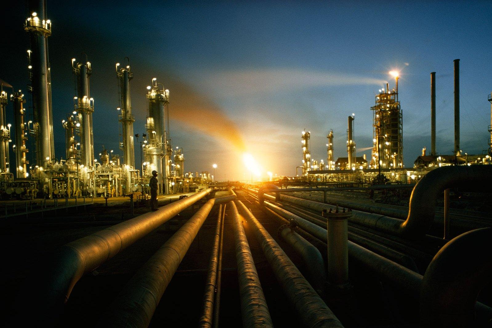 """Photo of ليبيا تفقد """"مليارات أكثر"""" جراء وقف إنتاج النفط"""
