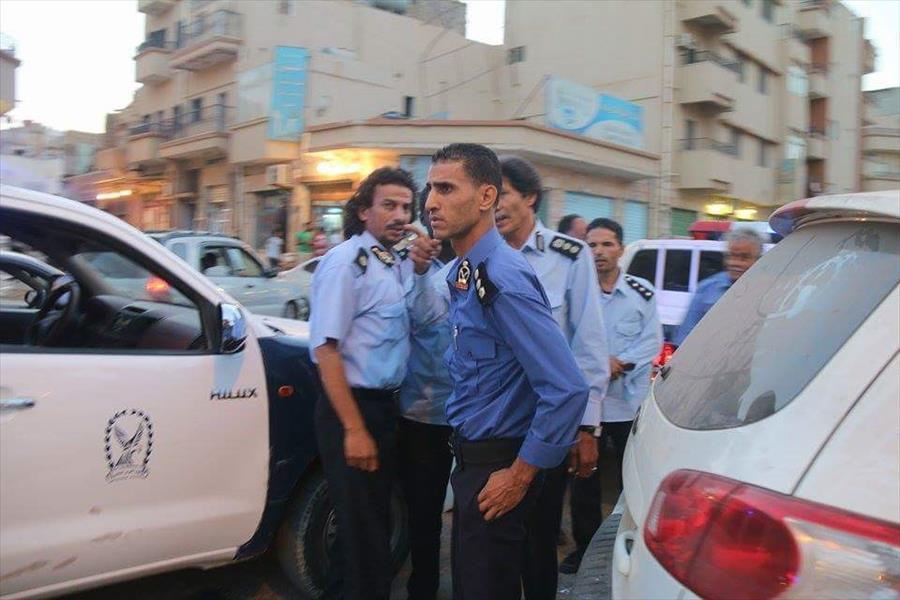 الحرس البلدي أثناء عملية التفتيش