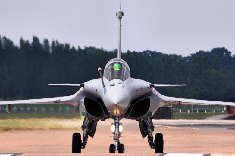 """صورة صفقة طائرات """"رافال"""" جديدة بين """"مصر"""" و""""فرنسا"""""""