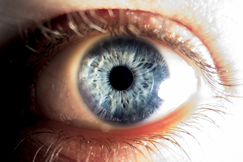 "Photo of أعراض في ""العين"" تدعوك لاستشارة الطبيب ""فورا"""
