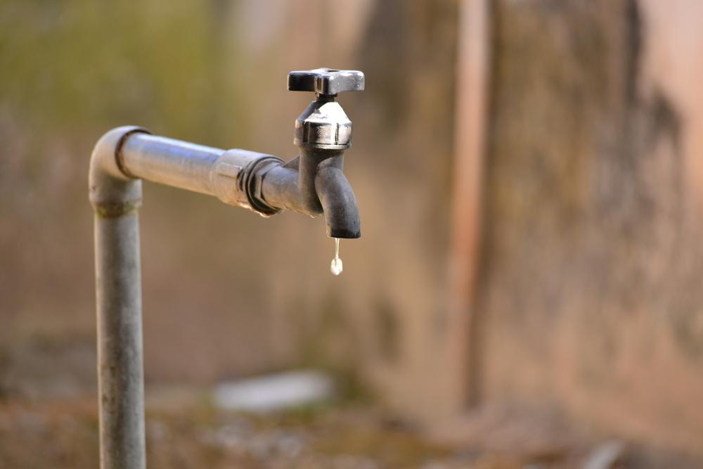 عدم توفر مياه الشرب