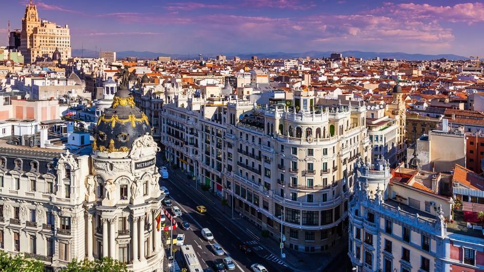 """Photo of إسبانيا تعلن """"اقتراب النصر"""" على كورونا"""