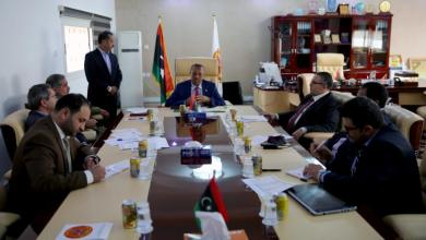 الثني في اجتماع موسّع بمقر الحاكم العسكري في المرج