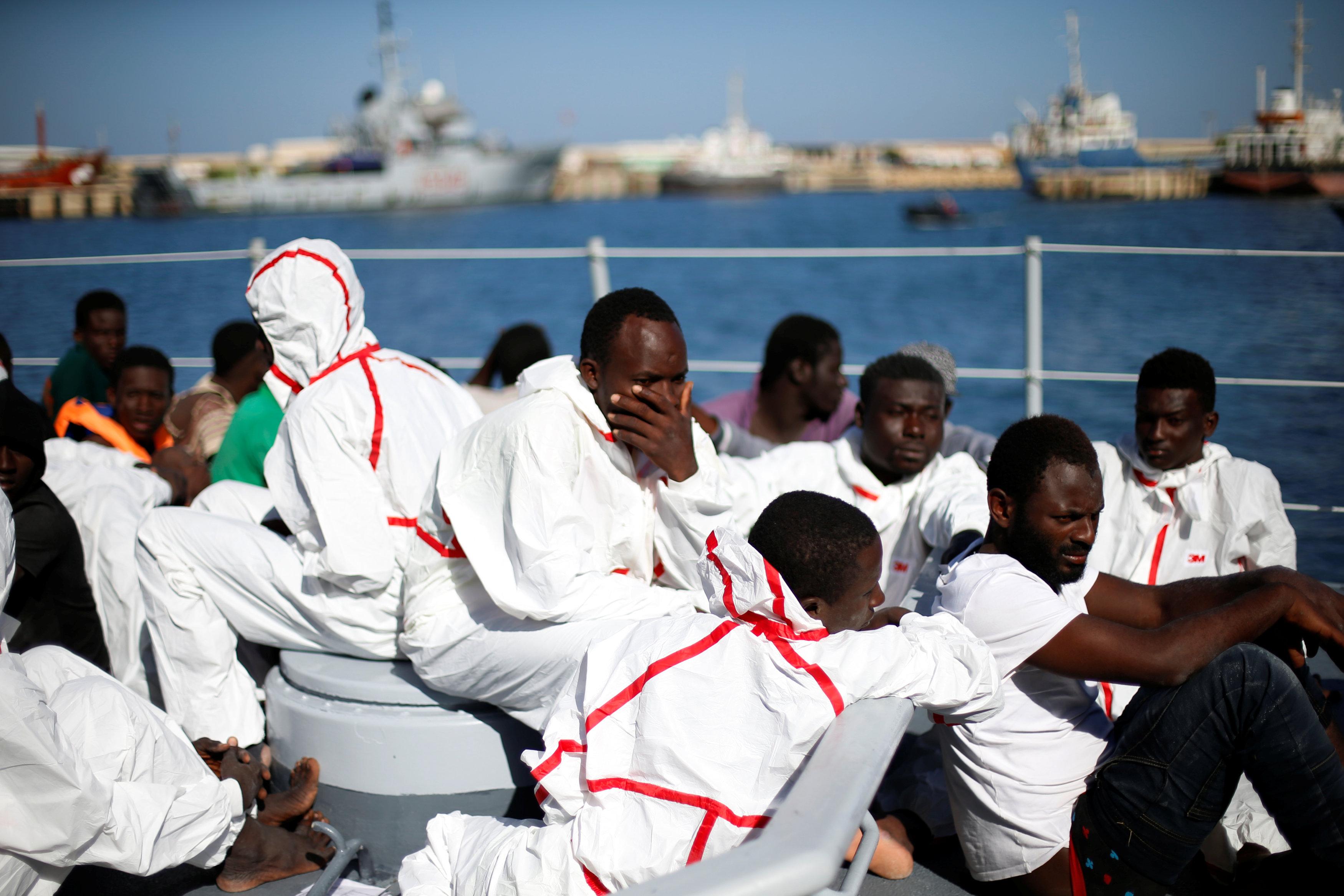 الهجرة غير القانوية