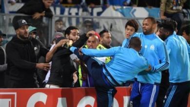 Photo of مرسيليا يبعد إيفرا عن الفريق بعد ركله لمشجع برتغالي