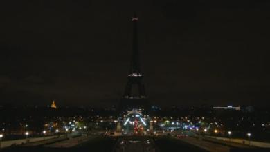برج إيفل يتخلى عن أضوائه تضامناً مع ضحايا الروضة