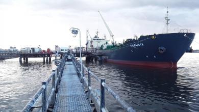 Photo of توقعات بوصول 35 مليون لتر بنزين لميناء بنغازي
