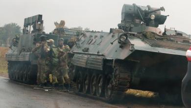 Photo of شهود عيان: دبابات تتجه صوب عاصمة زيمبابوي