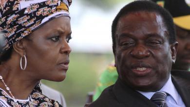رئيس زيمبابوي روبرت موغابي وزوجته جريس