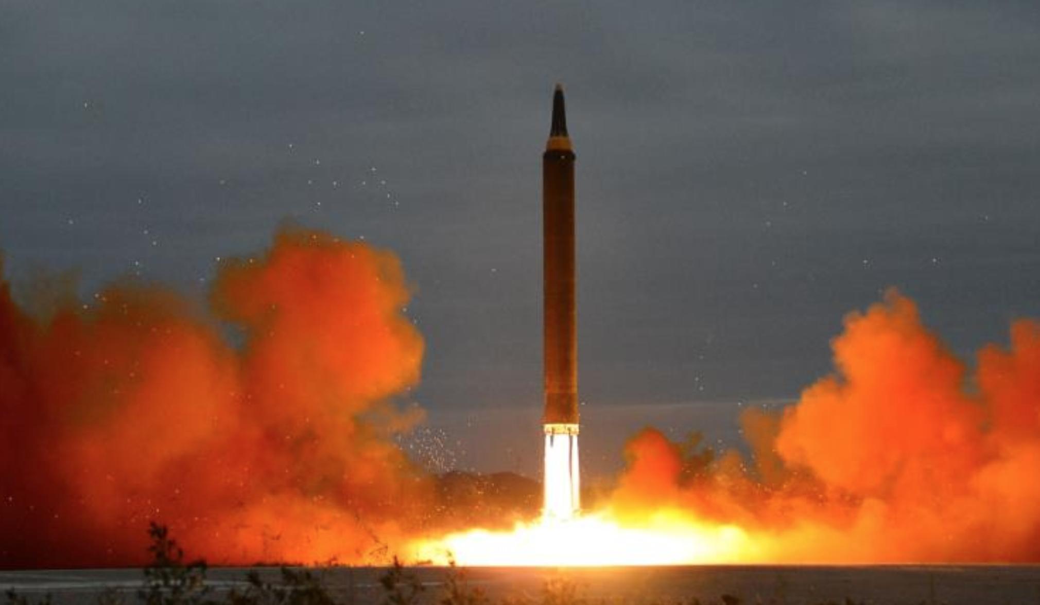 كوريا الشمالية أجرت في الأشهر الأخيرة تجارب نووية وبالسيتة أثارت غضب الولايات المتحدة وحلفائها في آسيا (رويترز)