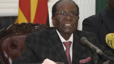 Photo of موجابي يرفض التنحي عن رئاسة زيمبابوي