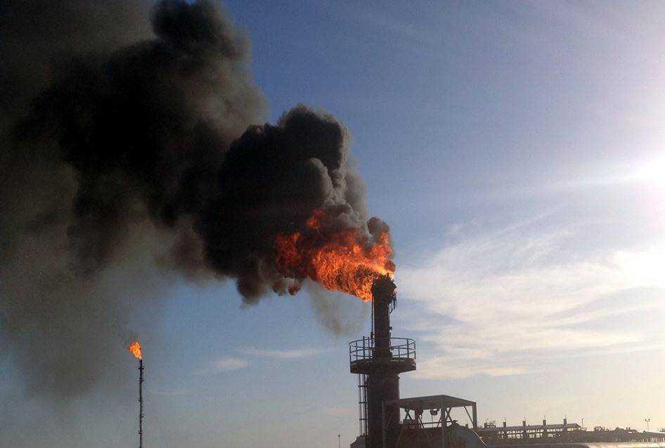 """اندلاع حريق في حقل """"الغاني"""" النفطي"""