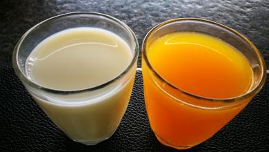 الحليب أو عصير البرتقال