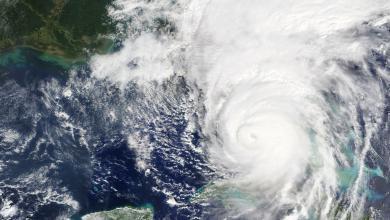 إعصار - صور ارشيفية