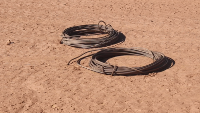 Photo of العثور على شخص متوفي أثناء سرقة كوابل كهرباء بالجفرة