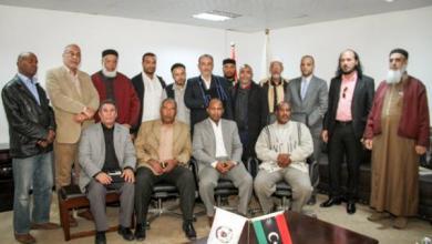 """Photo of وزير """"دفاع – الوفاق"""" يلتقي أعيان الجنوب.. بحضور الشارف"""
