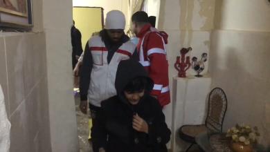 Photo of الهلال الأحمر ينقذ عائلة غرق منزلها بطرابلس