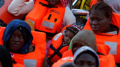 Photo of إيطاليا تُعيد 393 مُهاجرا إلى ليبيا