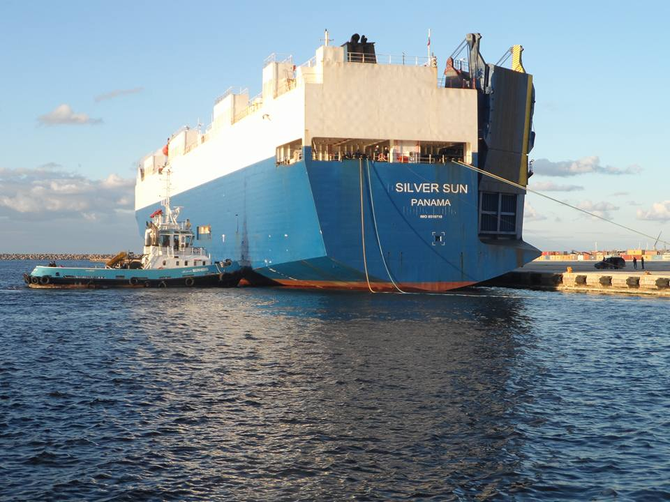 وصول سفينة SILVER SUN قادمة من أوروبا بميناء بنغازي