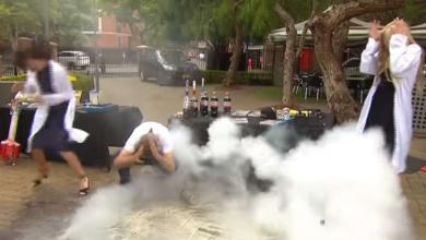 """Photo of بالفيديو.. مُذيعة تنجو بأعجوبة من """"قذيفة كوكا كولا"""""""