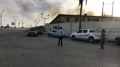 صورة سقوط قذيفة على منزل خلف مطار معيتيقة