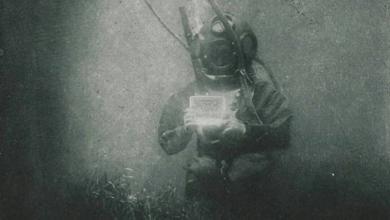 الصورة الأولى تحت الماء