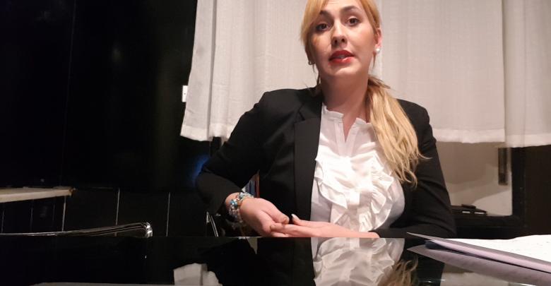 الصحفية الإيطالية فانيسا توماسيني
