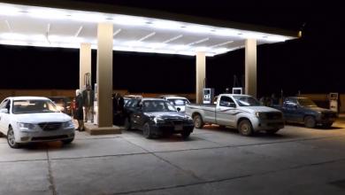 "Photo of ""شُحنة أمل"" تصل إلى محطات وقود وادي البوانيس"