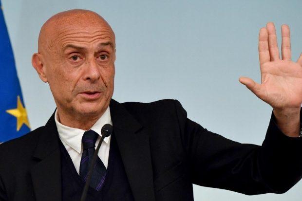 وزير الداخلية الايطالي السابق ماركو مينيتي
