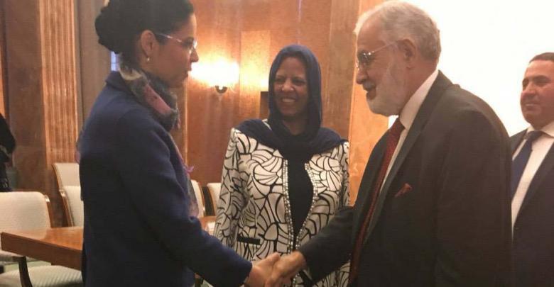 محمد سيالة والسفيرة الليبية في رومانيا وفيكتوريا دانسيلا