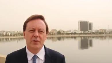 سفير بريطانيا لدى ليبيا فرانك بيكر