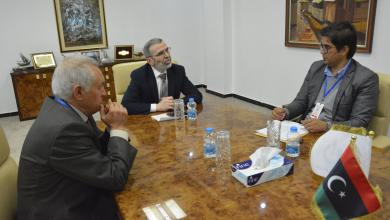 فريق من المجلس البلدي غريان يزور المؤسسة الوطنية للنفط.