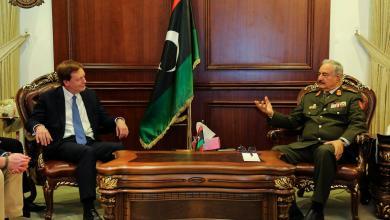 Photo of مكافحة الإرهاب على طاولة حفتر وبيكر