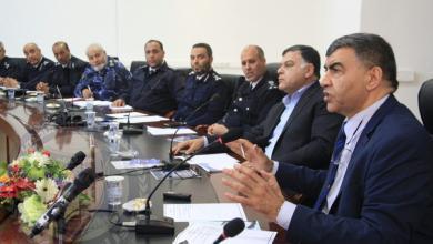 العميد عبد السلام عاشور في اجتماع طرابلس